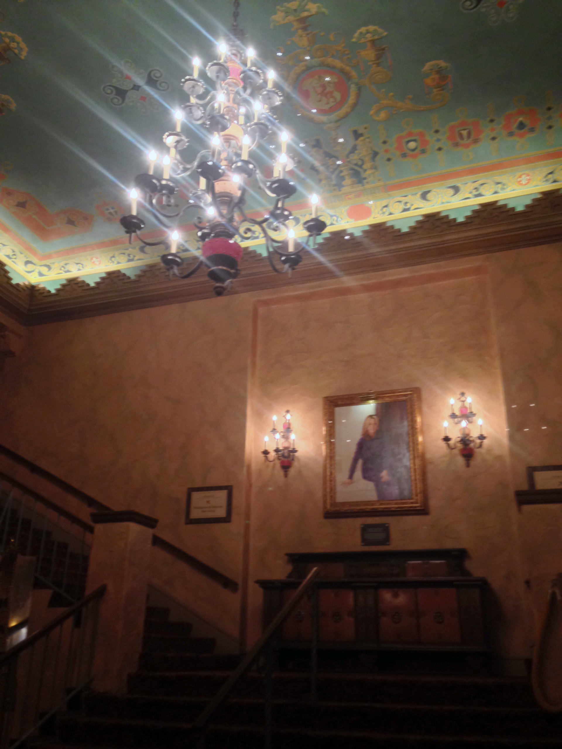 plaza-theater-staircase-chandalier